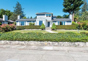 732 High Street Sebastopol, CA 95472