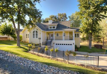 950  Oak Park Way Lakeport, CA 95453