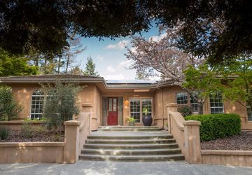 10 Via Del Arroyo Napa, CA 94559