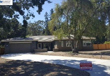 61 Fawn Court Martinez, CA 94533