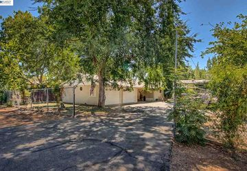 2263 Marilyn Ave Redding, CA 96002