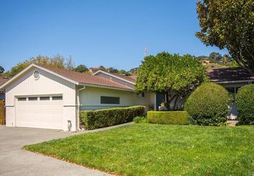 7 Via La Cumbre Greenbrae, CA 94904