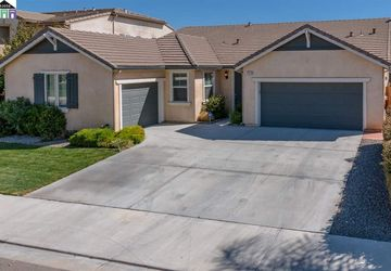 758 Mount Rushmore Dr Newman, CA 95360