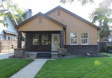 324 N 4th St Patterson, CA 95363