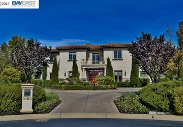 3183 Conti Ct. Pleasanton, CA 94566