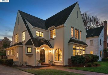 1306 Bay Street Alameda, CA 94501