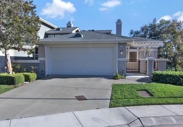 213 Golden Eagle Ln Brisbane, CA 94005