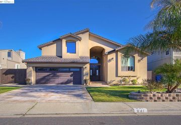 641 Willow Lake Discovery Bay, CA 94505