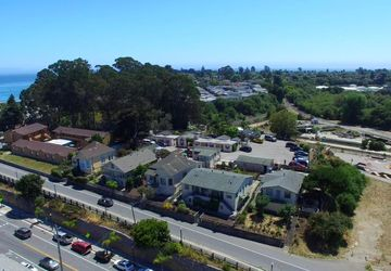 102 W Cliff Dr Santa Cruz, CA 95060