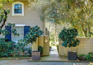 8 Laurel Way Kentfield, CA 94904