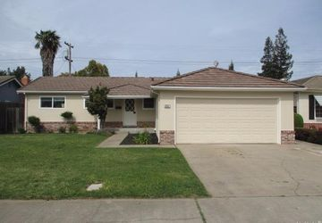 2237  Corbin Lane Lodi, CA 95242