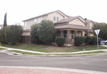 1432 Cliff Swallow Dr Patterson, CA 95363