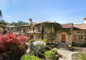28500 Matadero Creek Ln Los Altos Hills, CA 94022