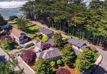 171 Alton Ave Moss Beach, CA 94038