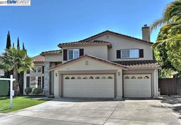 4716 Finn Cove Court Union City, CA 94587