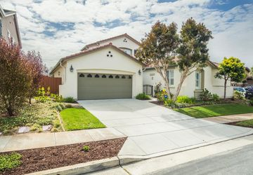 5110 Ocean Bluff Court Seaside, CA 93955