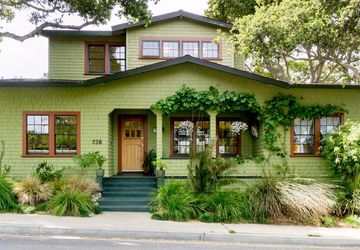 236 Willow St Pacific Grove, CA 93950