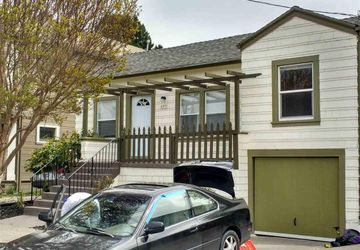 649 58Th St Street OAKLAND, CA 94609