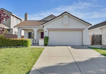 8465 Tambor Way Elk Grove, CA 95758