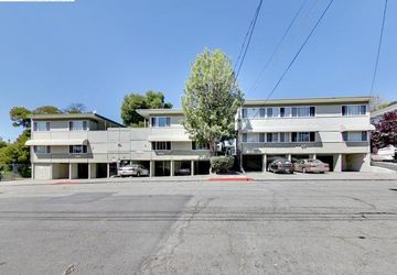 2515 10th Ave Oakland, CA 94606