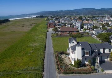 203 Granelli Avenue Half Moon Bay, CA 94019