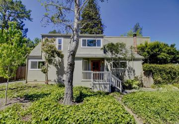 7068 Fircrest Avenue Sebastopol, CA 95472