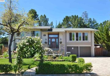 3212 Round Hill Drive Hayward Hills, CA 94542-2122