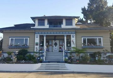 605 Pine Ave Pacific Grove, CA 93950