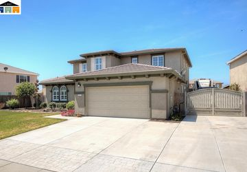 823 Raccoon Valley Dr Manteca, CA 95336