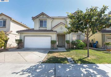 32131 Condor Dr Union City, CA 94587