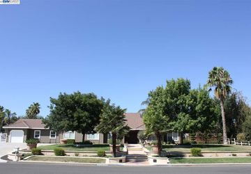 27731 S Fagin Drive Tracy, CA 95304