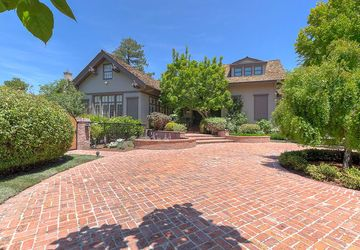 820 Hillsborough Boulevard Hillsborough, CA 94010