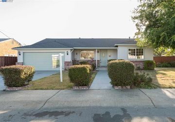 17237 Via Frances San Lorenzo, CA 94580