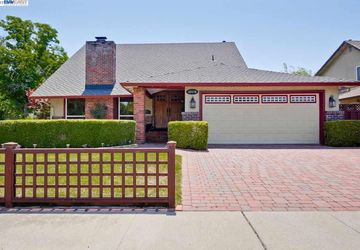 35179 Charmwood Ct Newark, CA 94560