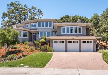 30 Palomar Oaks Lane Redwood City, CA 94062