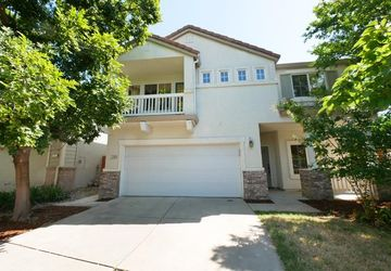 1340 Via Colonna Terrace Davis, CA 95618