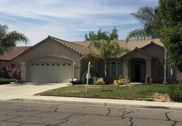 2622 West Robin Avenue Visalia, CA 93291