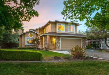 301 Fireweed Court Windsor, CA 95492