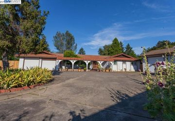 4099 Roesner Ave. Redding, CA 96002