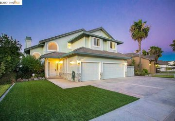2237 Newport Dr Discovery Bay, CA 94505