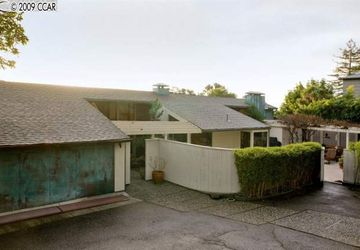 45 LANE CT COURT OAKLAND, CA 94611-3153