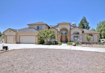 800 Meadow Court Tres Pinos, CA 95075