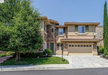 5516 Eaglebrook Ter Dublin, CA 94568