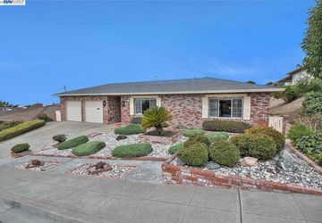 2627 Lakeview Dr San Leandro, CA 94577