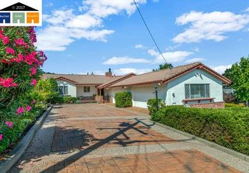 6 Rolph Park Ct Crockett, CA 94525