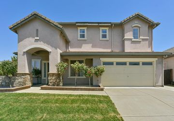 8649 Red Clover Way Elk Grove, CA 95624