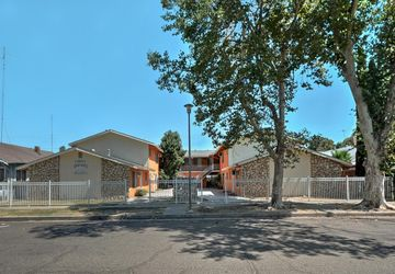137 West 19th Street Merced, CA 95340