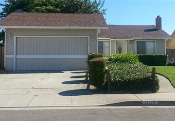 1015 Barrows Drive Suisun City, CA 94585