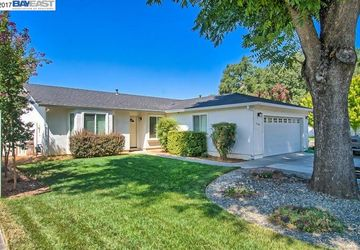 3368 Southwood Anderson, CA 96007