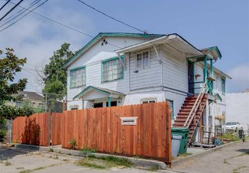 1228 28th St Oakland, CA 94608